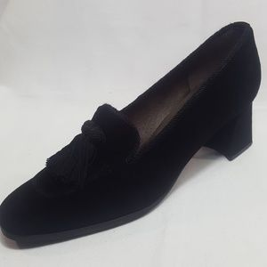 STUART WEITZMAN BLACK LEATHER SUEDE (8-N) LOAFERS